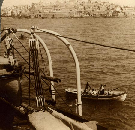 Jaffa, the city from the sea, curca 1900�