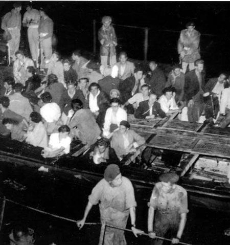 מהגרים יהודים מגיעים לנמל חיפה, סוף שנות הארבעים