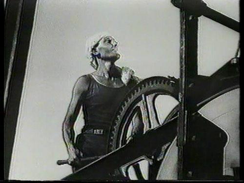 הלמר לרסקי, מתוך הסרט  עבודה , 1934, באדיבות עודד ברוש